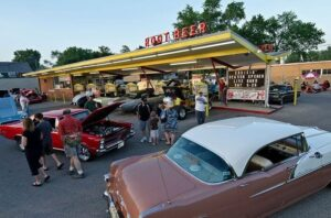 Classic Car Cruise Nights in McHenry County